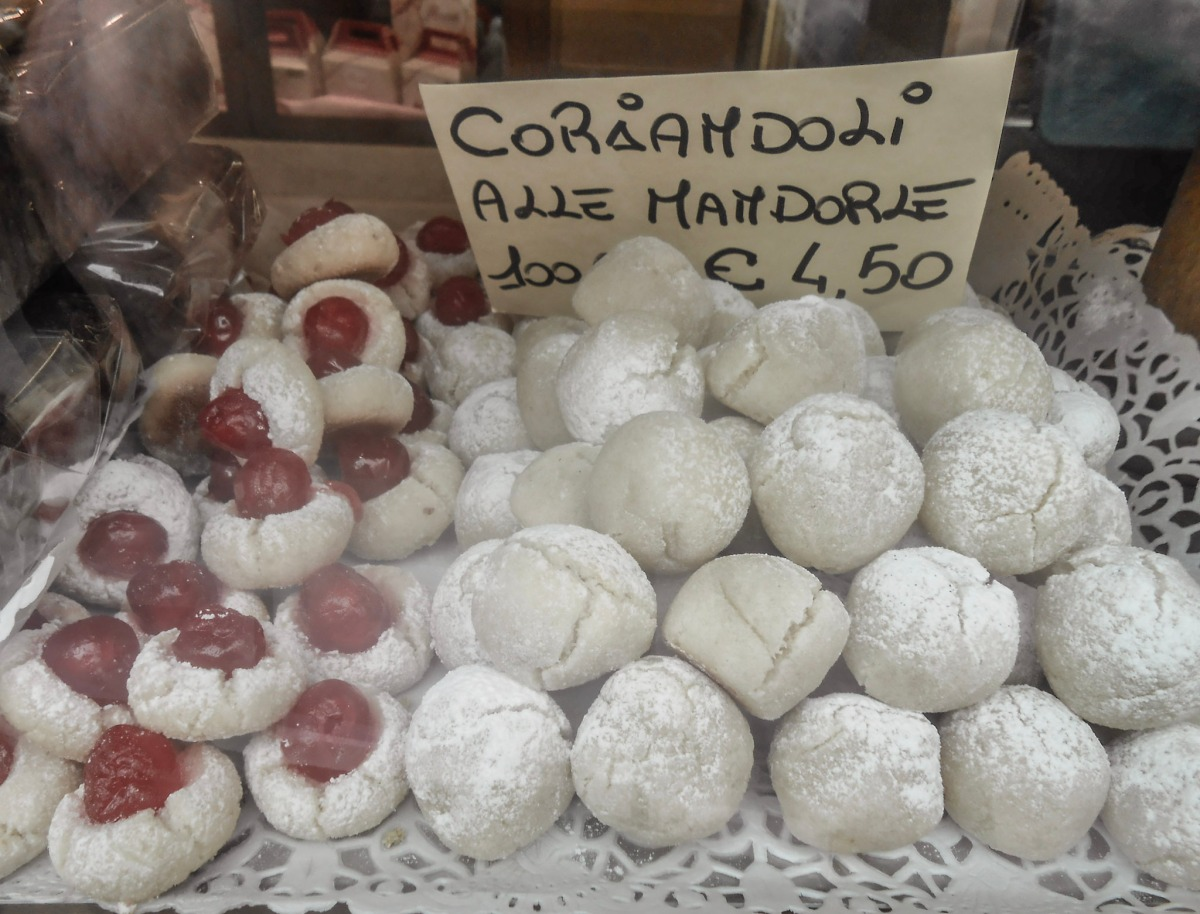 Apple Frittelles, Coriandoli, Sbreghete: Lent Sweets from Venice